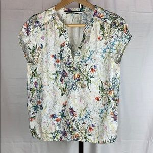 ✨3 for $30✨ Pretty Floral Cap Sleeve Blouse